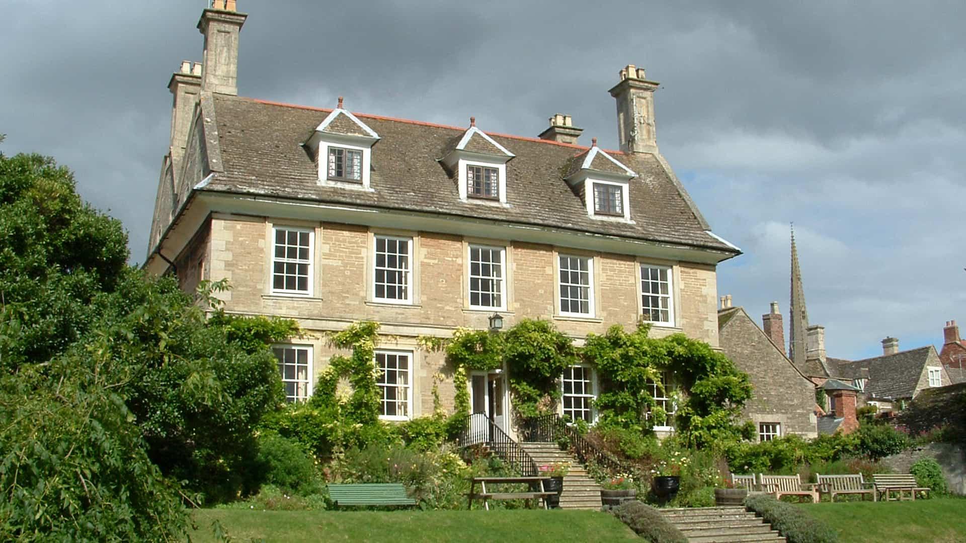 MNP Cobthorne House