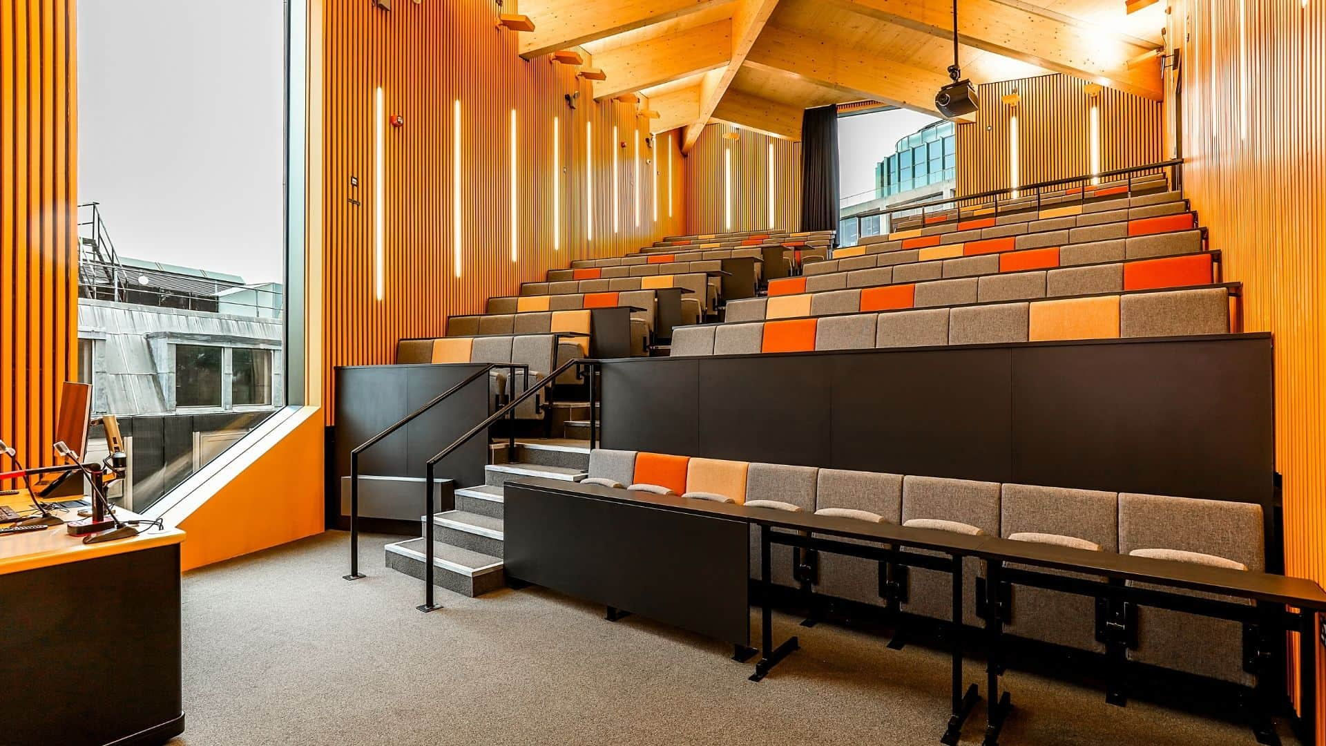 University Of London Birkbeck Lecture Theatre MNP